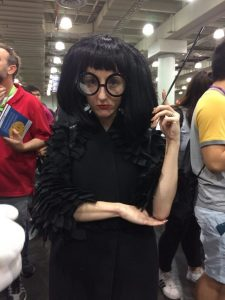 A women dressed up as Edna Mode.