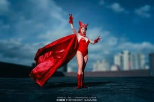 A women dressed up as the scarlet witch.