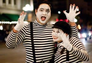 A couple dressed up as Mimes.