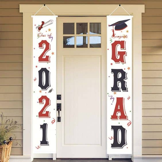 2021 Grad banners on the sides of a door