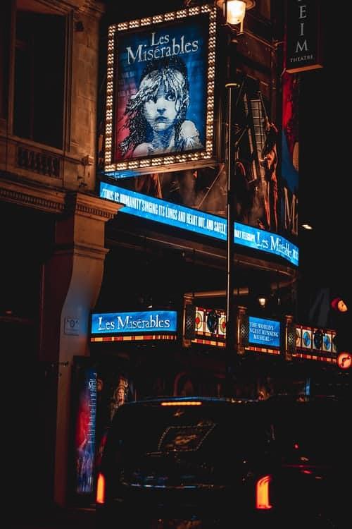 les miserables theatre