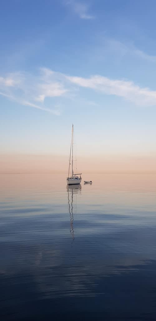 A boat sailing in the ocean